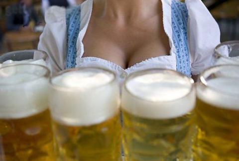Пиво з пишною піною :)