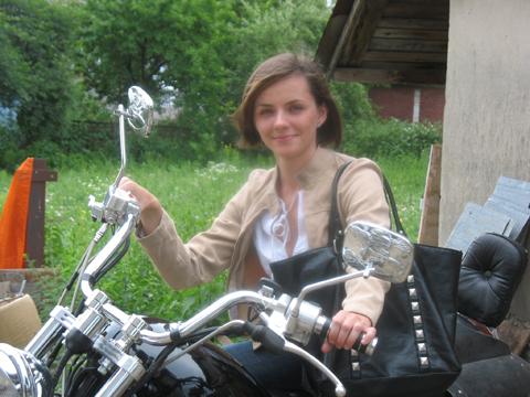 Ірина Рожок-Капранова на мотоциклі
